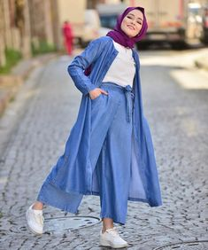 Genç Tesettür Hijab Dress Party, Hijab Style Dress, Casual Hijab Outfit, Hijab Chic, Modest Fashion Hijab, Muslim Fashion, Fashion Dresses, Denim Outfit For Women, Clothes For Women