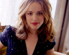 Rachel McAdams, love her look here.