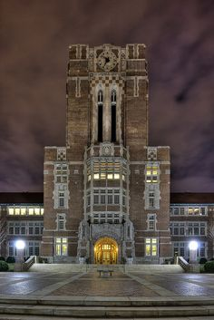 Ayres Hall at the University of Tennessee!  I love my Alma Mater!