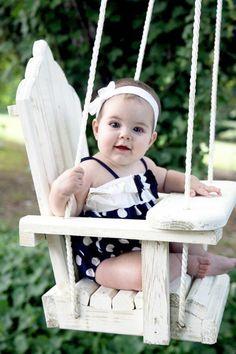 Merveilleux blanc balançoire de jardin en bois pour bébé