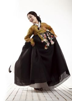한복 Hanbok / Mustard (dark yellow) jeogori and black chima / Traditional Korean dress