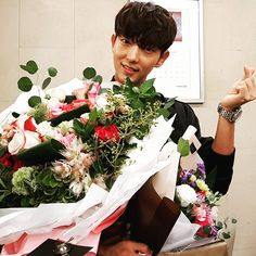 "20.8k Likes, 687 Comments - 배우 이준기 a.k.a Actor JG !李準基 (@actor_jg) on Instagram: ""감사하며 살자."" (Lee Joon Gi IG update September 29, 2017 - morning after Criminal Minds wrap up party - ""Thank you"")"