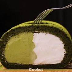 #Matcha Roll Cake Video by @cookat   -should do this but with powdered freeze dry strawberries
