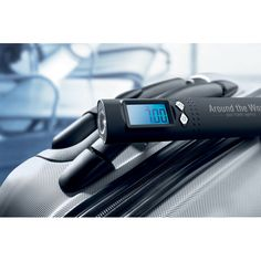 Luggage. Electric scale.  www.todayadvertising.ro