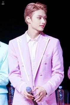 JUN | his name's jun but he can slay you any month of the year Woozi, Jeonghan, Wonwoo, Seventeen Performance Team, Seventeen Debut, Seventeen Members Names, Pledis Entertainment, Korean Entertainment, Vernon Hansol