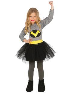 Disfraz de superheroína negro niña: Este disfraz de superheroína nocturna es para niña.Incluye un vestido gris de manga larga con tutú negro (medias y zapatos no incluidos)Hay un cinturón falso amarillo...