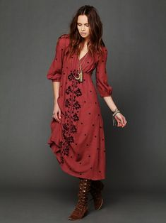 Bohême... j'adore la forme de cette robe <3