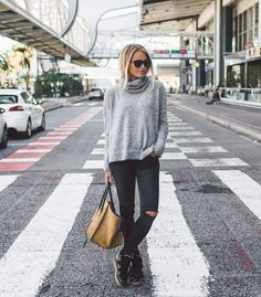 Outfits with black jeans are appropriate for most times of year, but how will you style yours? Give your imagination full and free reign when you style them because there are lots and lots of them.