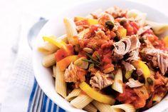 Kijk wat een lekker recept ik heb gevonden op Allerhande! Penne met mediterrane tonijnsaus Spatzle, Penne Pasta, Italian Recipes, Macaroni, Cheese, Meat, Polenta, Food, Invitations