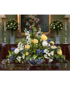 1000 images about dining room table arrangements on for Floral centerpieces for dining room tables