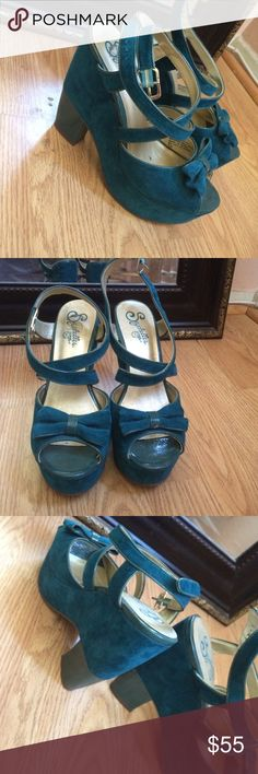 Green shoes One of a kind shoes very comfortable. Worn twice excellent condition. Like brand new. Seychelles Shoes