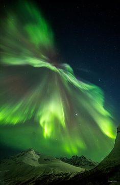 Tormenta geomagnética menor produjo majestuosas auroras como la observada en Tromsø, Noruega. Foto Truls Tiller