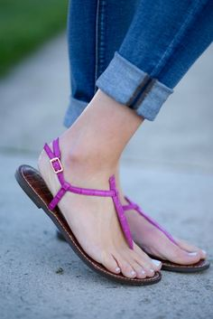 Pink Gigi Sandals for a casual Spring look Pink Sandals, Black Sandals, Sam Edelman Gigi, Beautiful Sandals, Cool Style, My Style, Women's Feet, Dresses For Teens, Fashion Pictures