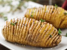 Top 10 Ree Drummond Recipes – Page 5 – Top Recipes Easy Delicious Recipes, Top Recipes, Potato Recipes, Cooking Recipes, Yummy Food, Cooking Hacks, Free Recipes, Batatas Hasselback, Hasselback Potatoes