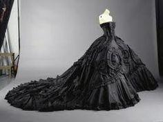 Google Image Result for http://www.wisconsinbridemag.com/wp-content/uploads/2012/09/Black-Wedding-Dresses.jpg
