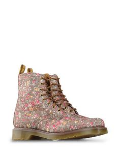Womanish Martens make me crazy =) By Dr. Martens.