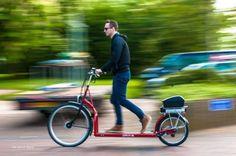 Designer cria bicicleta elétrica com esteira no lugar dos pedais