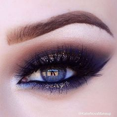 Sizzling look for a Saturday night out! This jaw-dropper by @katienovamakeup features Makeup Geek Eyeshadows in: ✔️ Corrupt ✔️ Mocha ✔️ Latte ✔️ Vanilla Bean ✔️ Untamed Additional details on her feed.