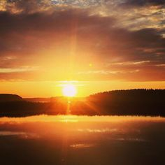 When suns sets in the North  #camping #outdoors #outdoor #wilderness #sunset #north #nature #travel #landscape #landscapehunter #adventure #lake #summer