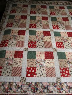 Christmas Quilts {traditions} - Wendys Hat