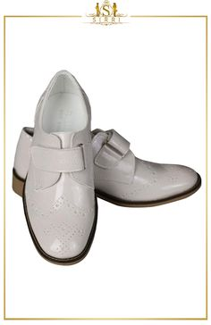 These ivory velcro brogues are the perfect compliment to our suits. Made from quality materials, it has a velcro strap for easy on and easy off. Features non-slip sole. Maximum durability and a good looking shoe at an affordable price. Shop now at SIRRI kids #shoes for boys ideal for #wedding #communion online...Elegant fashion for children and men. #fashion #shopping      Mesaj yazın