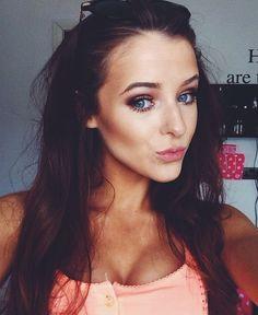 X Makeup Inspiration, Selfies, Chloe, Beautiful Women, Face, Sexy, Faces, Fine Women, Selfie