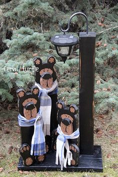Solar Bear Light Post DIY wooden bears and solar light post via The Feral Turtle. - Wooden diy - Solar Bear Light Post DIY wooden bears and solar light post via The Feral Turtle You are - Solar Light Crafts, Diy Solar, Solar Lights, Solar Lamp, Christmas Wood Crafts, Christmas Projects, Christmas Crafts, Landscape Timbers, Landscape Timber Crafts