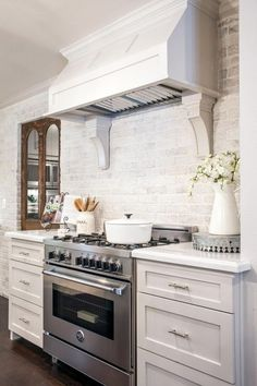 Cool 48 Incredible French Country Kitchen Design Ideas. More at https://trendecorist.com/2018/02/12/48-incredible-french-country-kitchen-design-ideas/