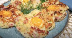 Vynikajúce jedlo zo strúhaných zemiakov, šunky a vajíčka. Ideálna rýchla večera podľa youtube.Potrebujeme:4 zemiaky4 vajciaJarná cibuľka120 g šunkySoľ, korenie2 lyžice múkyOlivový olejPostup:Zemiaky ošúpeme a nastrúhame nahrubo - napríklad pomocou škrabky.Potom dáme takto pripravené zemiaky do …