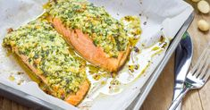 Baked Salmon And Asparagus, Grilled Asparagus Recipes, Oven Baked Salmon, Marinated Salmon, Quick Healthy Meals, Healthy Recipes, Pistachio Crusted Salmon, Baked Salmon Recipes, Seafood Recipes