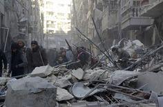 Alep bombardée - Toujours plus de 20 000 Syriens bloqués à la frontière turque