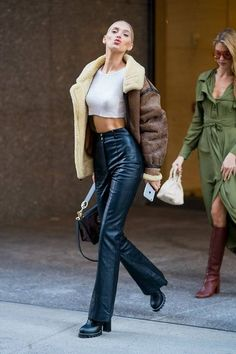 Elsa Hosk attends fittings for the 2018 Victoria& Secret Fashion Show 80s Fashion, Fashion Killa, Fashion Outfits, Womens Fashion, Street Fashion, Fall Winter Outfits, Winter Fashion, Style Invierno, Looks Style