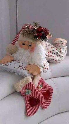 Christmas Sewing, Primitive Christmas, Felt Christmas, Christmas Time, Christmas Stockings, Christmas Tables, Modern Christmas, Scandinavian Christmas, Felt Crafts