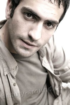 Bugra Gulsoy turkish actor photo