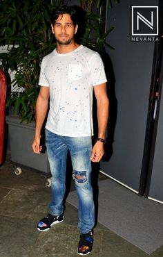 #SidharthMalhotra sported a white tee over #denims jeans
