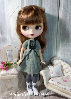 Blythe One Piece Short Sleeve Dress. Olive Linen. Made to fit Kenner/Takara Blythe and similar size dolls