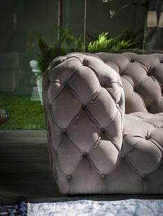 chester-moon-by-baxter-leather-sofa-xxtraordinaire-4.jpg