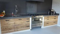 Bekijk de foto van Ineke-de-Jong met als titel Keuken steigerhout en andere inspirerende plaatjes op Welke.nl.