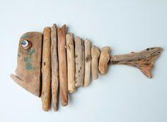PLATONE, pesce assemblato con legno spiaggiato. H cm 25 - Lung cm 41