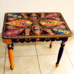 La boutique vous présente cette magnifique petite table Holi qui vous éblouira.