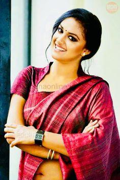 Cotton Saree Blouse Designs, Fancy Blouse Designs, Indian Actress Hot Pics, Most Beautiful Indian Actress, Indian Navel, Stylish Blouse Design, Designer Blouse Patterns, Indian Photoshoot, Indian Beauty Saree