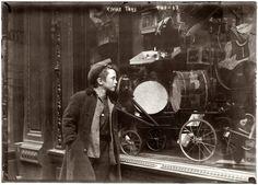 Christmas store window 1920 photo 1920