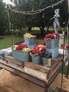 Mezcla de buffetes de temporada con buffetes más clásicos, Servimos en el Castell de Sant Marçal. #espacios #bodas #bodasenbarcelona #aspiccatering #eventos #catering