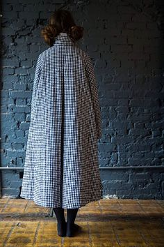 It& a swing thing. Swing Coats, Linen Dresses, Easy Wear, Mantel, Ready To Wear, Personal Style, Passion For Fashion, Vintage Fashion, Fashion Looks