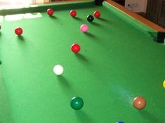 Déroulement de la partie de billard en snooker