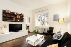 Mycket fina brunbetsade trägolv och riktigt härlig lägenhet!