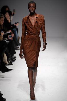 Martin Grant Fall 2011 Ready-to-Wear Fashion Show - Nala (SLIDES)