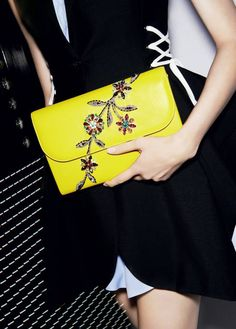 Jaune Vif flap clutch embroidered with flowers from the Autumn-Winter Dior 2014-2015