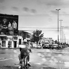 #lluvia #calle #streetphoto #photobyMAC #fotografía #byn