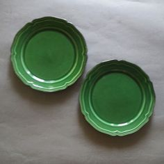 Ceramic Tableware, Glass Ceramic, Green Dinner Plates, Lame Fabric, Kitchen Dinning, Charger Plates, Lovely Shop, Cottage Chic, Dark Colors